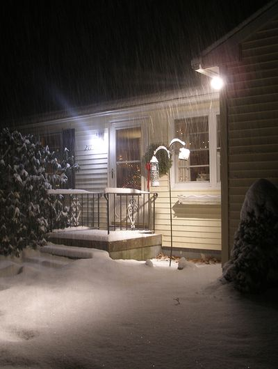 Front-house-snow-1-7-11w