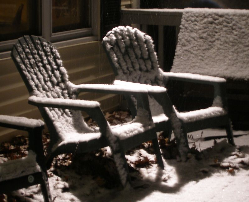 Porch-chairs-in-snow