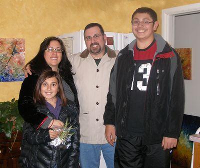Jim-tracy-hannah-michael-Christmas-night-2w