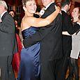 10-Jen&Sean-dancing
