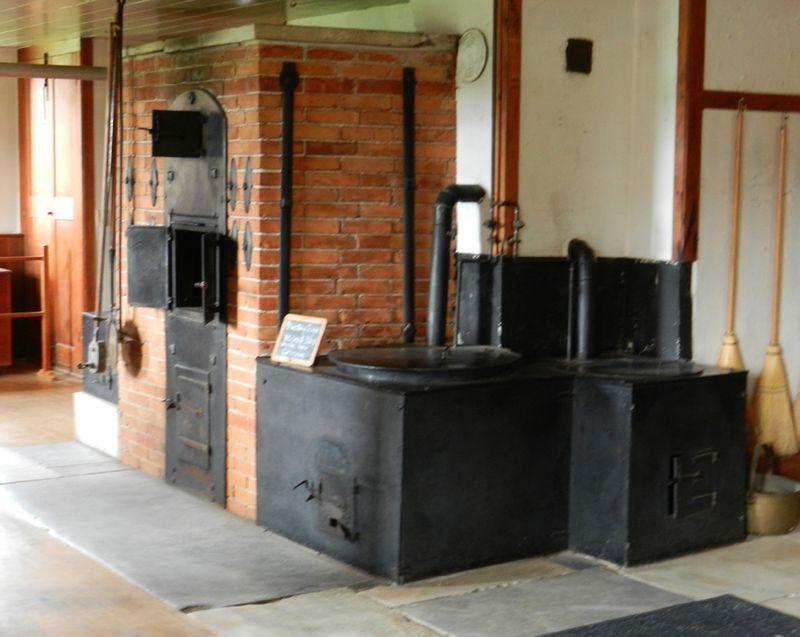 2011-sept-shaker-kitchen