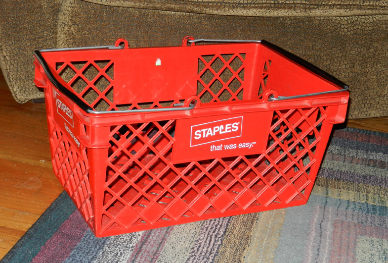 Staples-basket