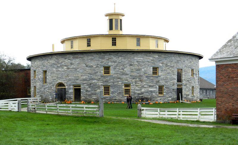 2011-sept-shaker-round-barn