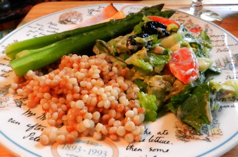 Isreali-couscous-w-salad&asparagus-2