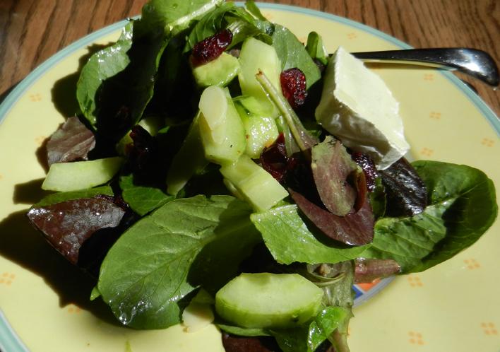 Field-greens-avacado-cranberries-brie