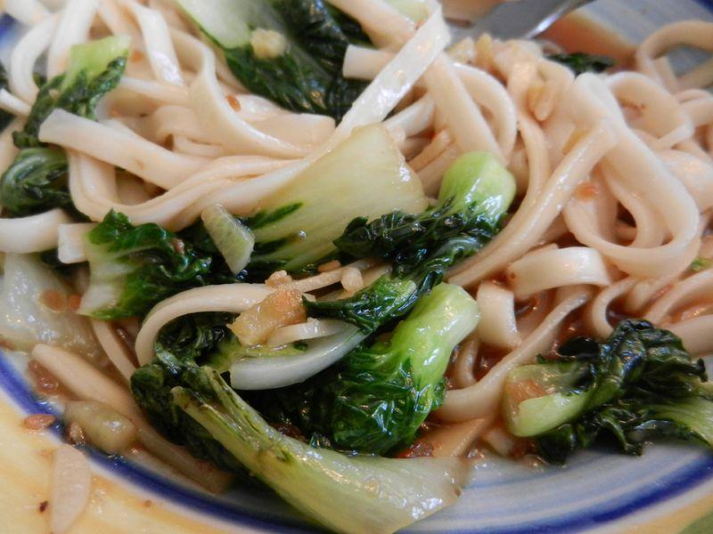 Bok-choy-noodles-01
